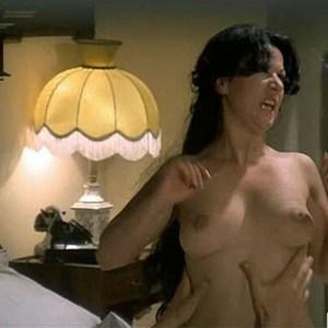 Ria De Simone in Spogliamoci cosi senza pudor