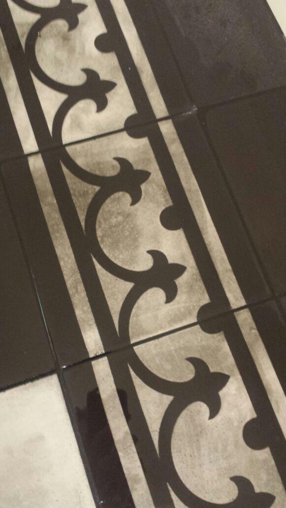 Castelo-cementtegelvloer-na-verkeerd-voegwerk.