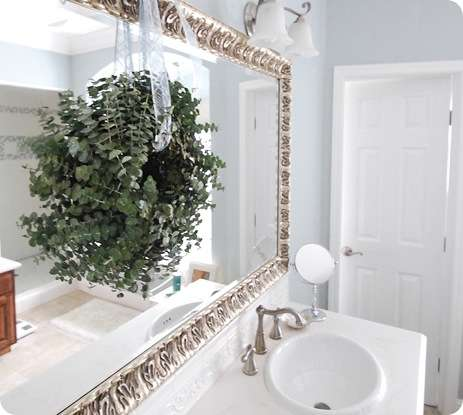 wreath master bath