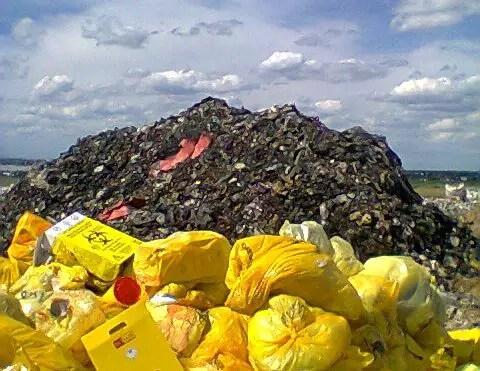 Imagine făcută de un fost angajat din care reiese că deșeurile menajere ar fi duse la groapa de gunoi