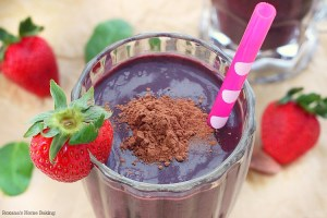 Berry & greens smoothie