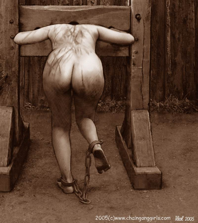 nude girl waiting for punishment