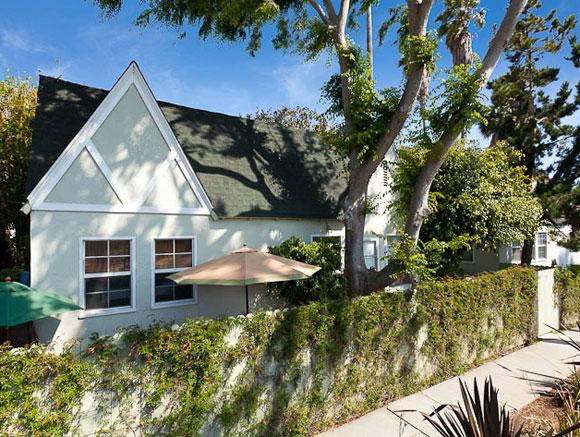 the-big-lebowski-house-for-sale-venice.jpg