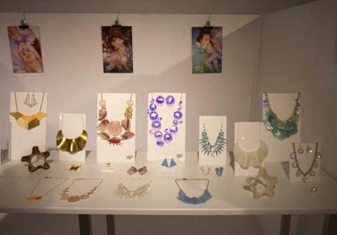 Tatty Devine jewellery, Première Classe Paris - Charonbelli's blog mode