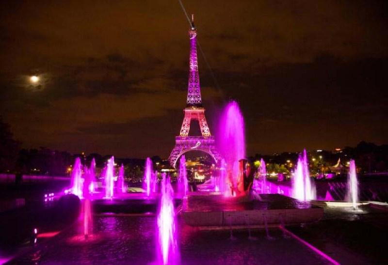 Tour Eiffel Paris - #Octobrerose - le cancer du sein, parlons-en ! - Charonbelli's blog mode et beauté