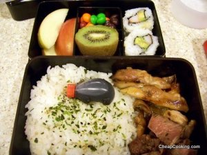 Save Money by Packing Lunches