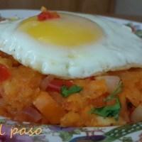 Majadito de yuca con huevo frito