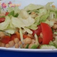 Ensalada de garbanzo con verduras