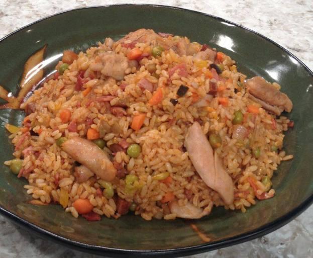 Arroz salteado con pollo y vegetales - Arroz salteado con pollo ...