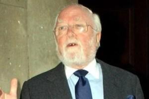 Lord Attenborough recebe homenagem nesta terça-feira (Foto: Chelsea FC)