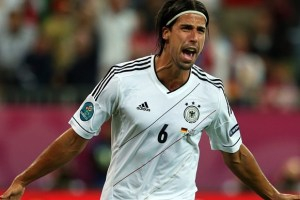 Khedira pode se transferir para Arsenal ou Chelsea (Foto: Getty Images)