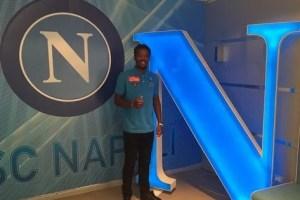 Chalobah passará uma temporada em Nápoles (Foto: SSC Napoli)