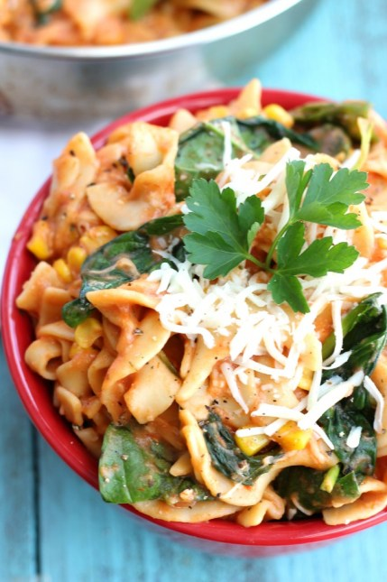 One Skillet Easy and Delicious Pasta Dish