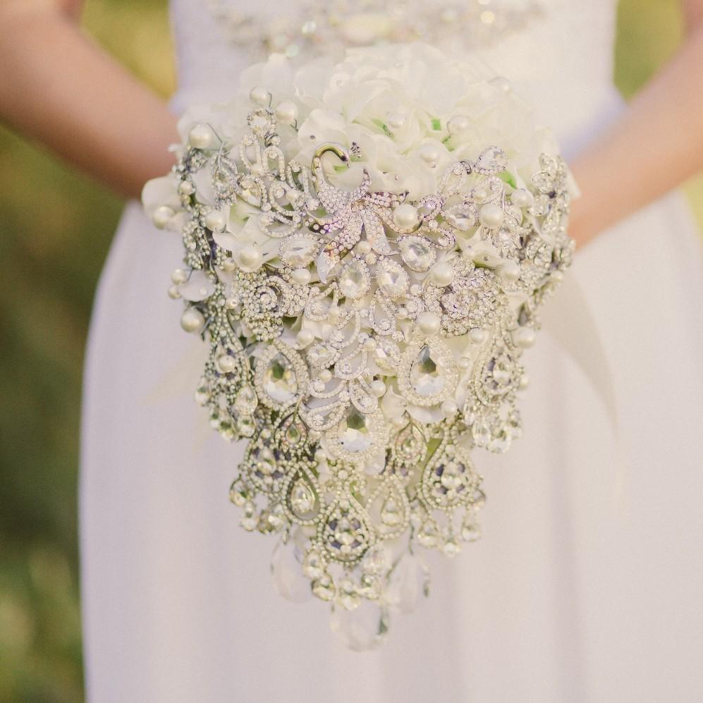 bridal accessories wedding dress accessories Noaki Brooch Bouquets Bridal Accessories and a Chic Vintage Brides Birthday Exclusive 15 Discount