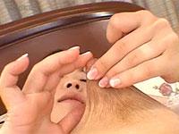 中野まりえちゃんの乳首伸ばしオナニー