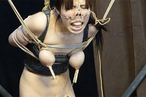 鼻フックと乳首クリップで見る影もない華原美奈子