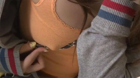 乳首をパイスラの紐で弄る