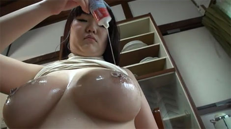 乳首練乳プレイも有り
