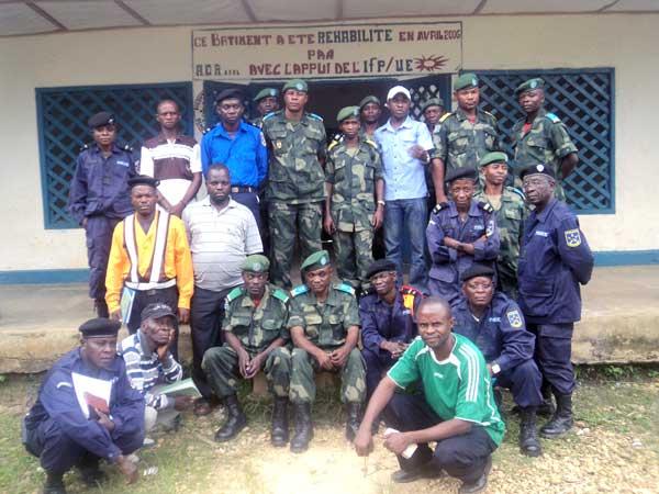 Militaires et policiers sensiblisés aux droits humains