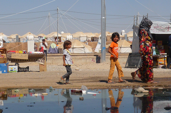 Refugees in Baherka camp in northern Iraq. © UNICEF/Iraq-2013/Groote