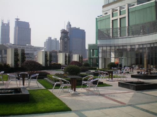 Shanghai grand cinema reopens china expat chinese for Terrace theater movies