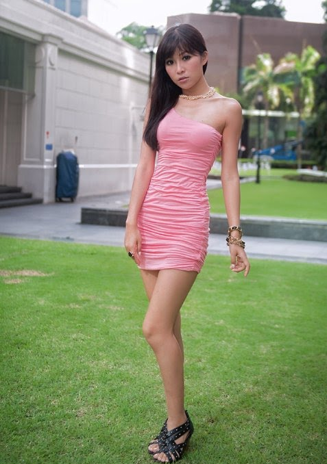 Betty Zhou Nude Photos 15