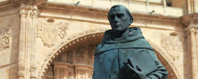 Ruas: Quem foi Francisco de Vitória?