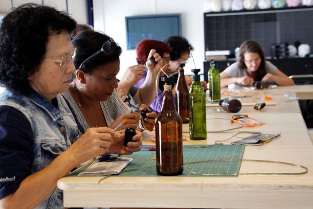 Aprenda a fazer Luminárias de Garrafas no Sesc Vila Mariana