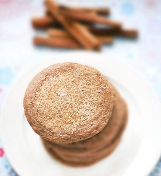 Light, fluffy, & super delicious pancakes that taste like homemade cookies! Full recipe: http://chocolatecoveredkatie.com/2011/05/12/snickerdoodle-pancakes/