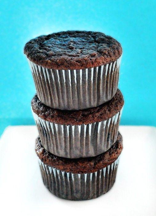 chocolate-cupcake-stack.jpg
