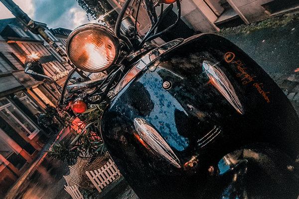 Motorroller in Wuppertal - Schräger Horizont