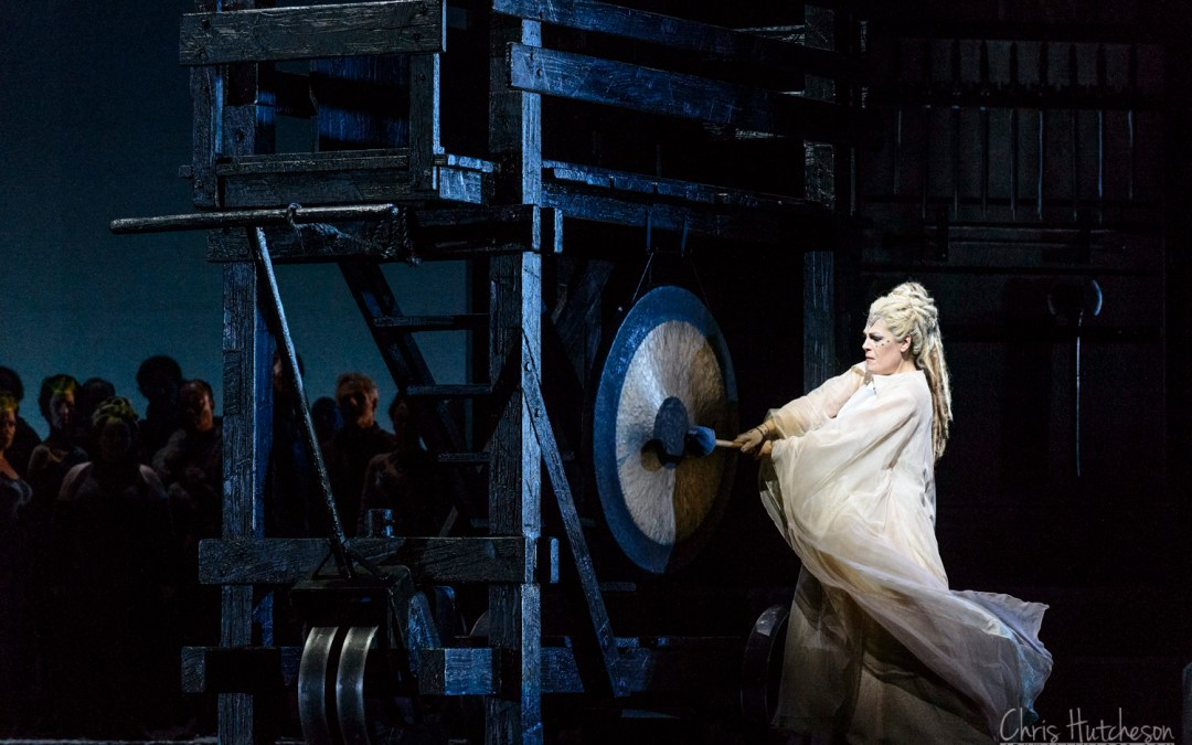 Norma – The Canadian Opera Company's 2016 production