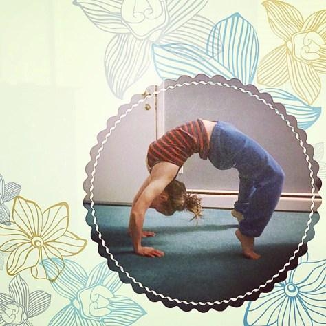 Upward Bow (Wheel) Pose pose (Urdhva Dhanurasana)