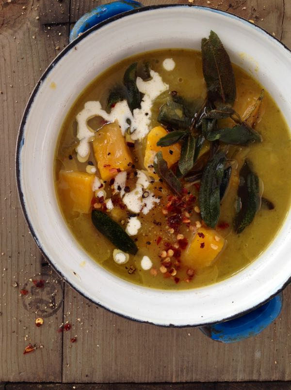 The most rustic and hearty butternut squash leek soup with crispy sage ...