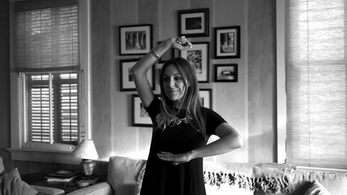 Jasmine Playing Just Dance 2015