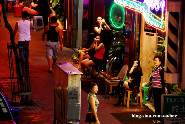 hong-kong-red-light-district-10