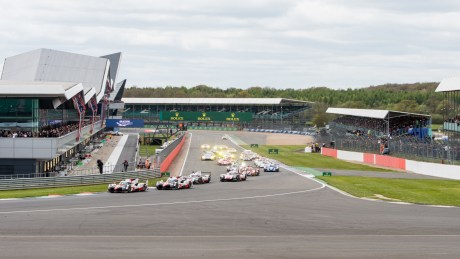 Start of the FIA WEC 6 Hours of Silverstone