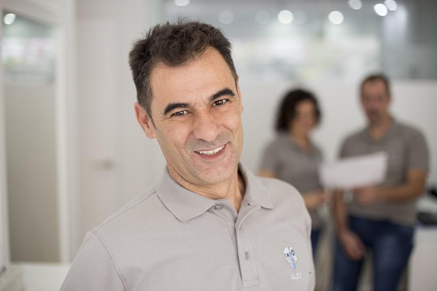 Alejandro Caballero_protésico dental en Alicante
