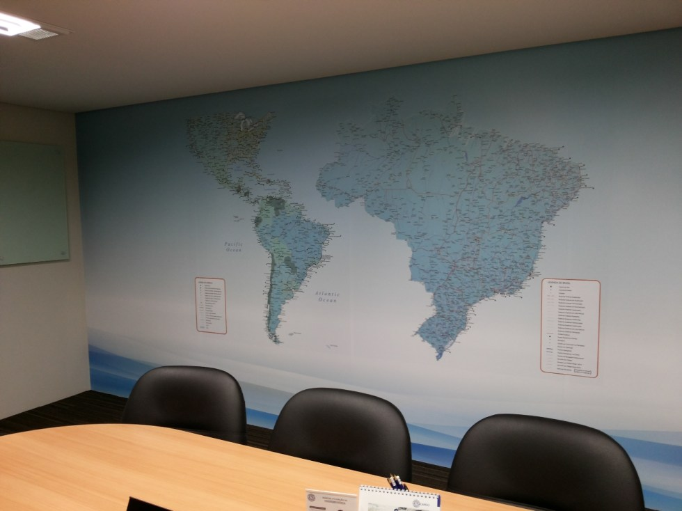 Mapa Personalizado , adesivado sobre parede e magnético.