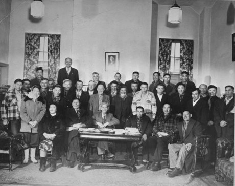 Council of Cheifs meets around table at All Peoples' Mission, 1946. Courtesy of Bissell Centre Archives.