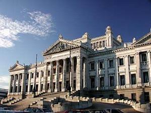 11. Uruguay: Se espera la aprobación del matrimonio igualitario a lo largo de 2011