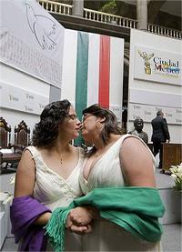 15. México: La Corte avala bodas gay en el DF y desecha impugnaciones de los estados
