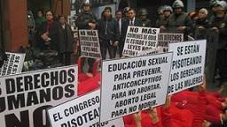 03. Perú: Diversas organizaciones advierten graves retrocesos en los DDHH de las mujeres por la penalización absoluta del aborto en el Perú