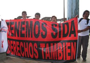 18. Perú: Realizan plantón contra Tratado Trans Pacífico (TTP)