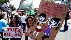 """08. México: """"Marcha de las putas"""" en protesta a la violencia y acoso sexual contra la mujer"""