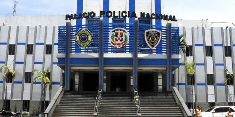 Acuartelan Policía RD por miedo del gobierno a protestas sociales