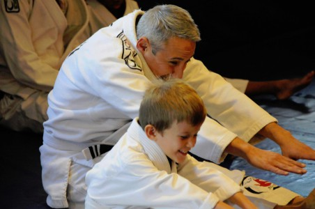 "Alt=""parents and kids martial arts class"