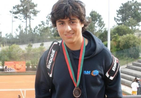 tenistas sub 18 e sub 14 em Almeirim