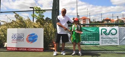 21 jovens tenistas no V Open de Mini-Ténis