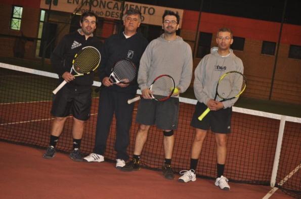 Veteranos +35 carimbam passagem à 2ªfase do Regional de ténis